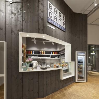 [专卖店] 柏林的BASE_camp手机销售店4449.jpg
