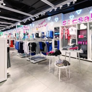 华沙Sinsay女性服装专卖店空间创意设计