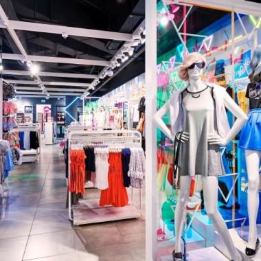 华沙Sinsay女性服装专卖店空间创意设计11888.jpg