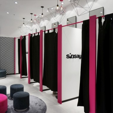 华沙Sinsay女性服装专卖店空间创意设计11891.jpg