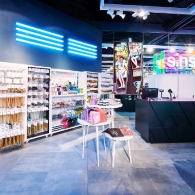 华沙Sinsay女性服装专卖店空间创意设计11894.jpg