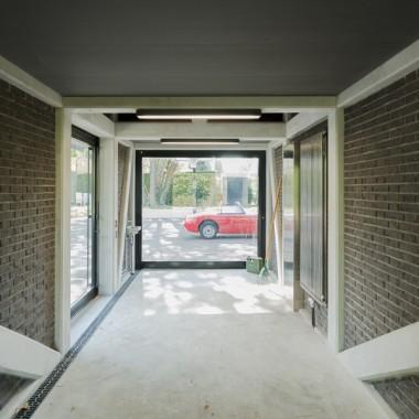 地下车库和汽车展示台  b29 architectes