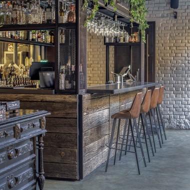 Hangover酒吧,基辅  balbek bureau3849.jpg