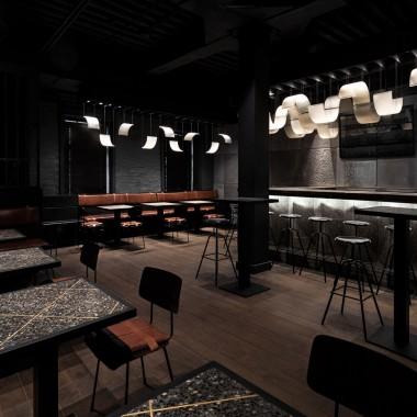 柏林酒吧,莫斯科  Thilo Reich3879.jpg