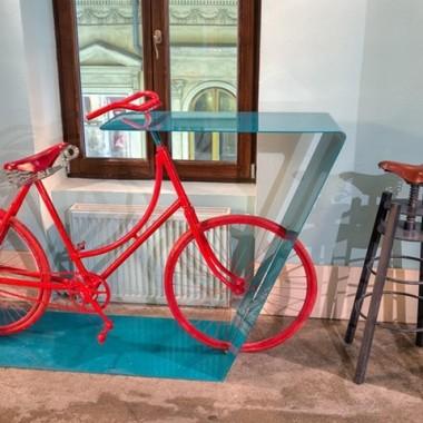 布加勒斯特自行车主题酒吧10638.jpg