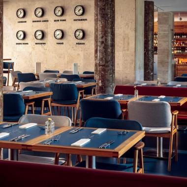 候車大廳內的酒吧餐廳,布達佩斯  81font4192.jpg