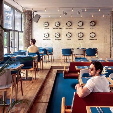 候車大廳內的酒吧餐廳,布達佩斯  81font4195.jpg