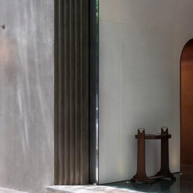 極簡主義外表與豐富內在,上海蓮花酒吧  OFFICE AIO4455.jpg