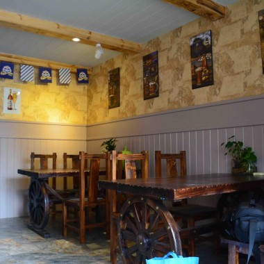 開發區小苗的德國啤酒屋盛裝完工15100.jpg